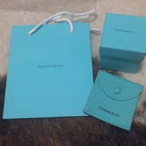 Tiffany and co. Duster, paper bag and ring box